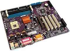 У платы - две пары слотов памяти, 168-пиновые для SDRAM DIMM и 184...